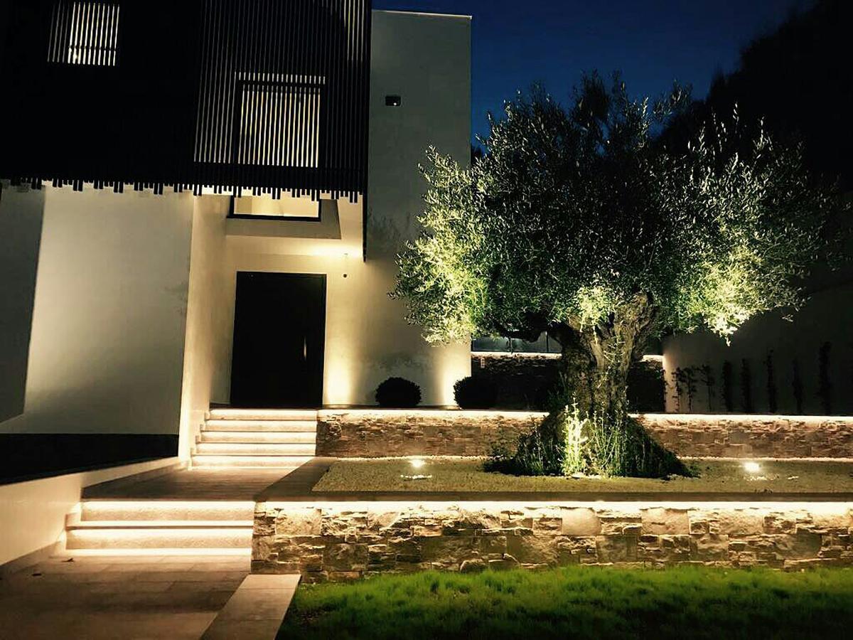 Iluminacion exterior residencial