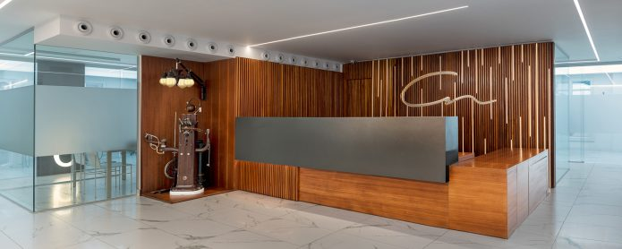 Maraba Studio illuminates  Nores Dental Clinic in Arrecife