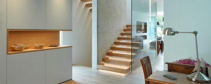Staircase lighting: the balance between safety and design